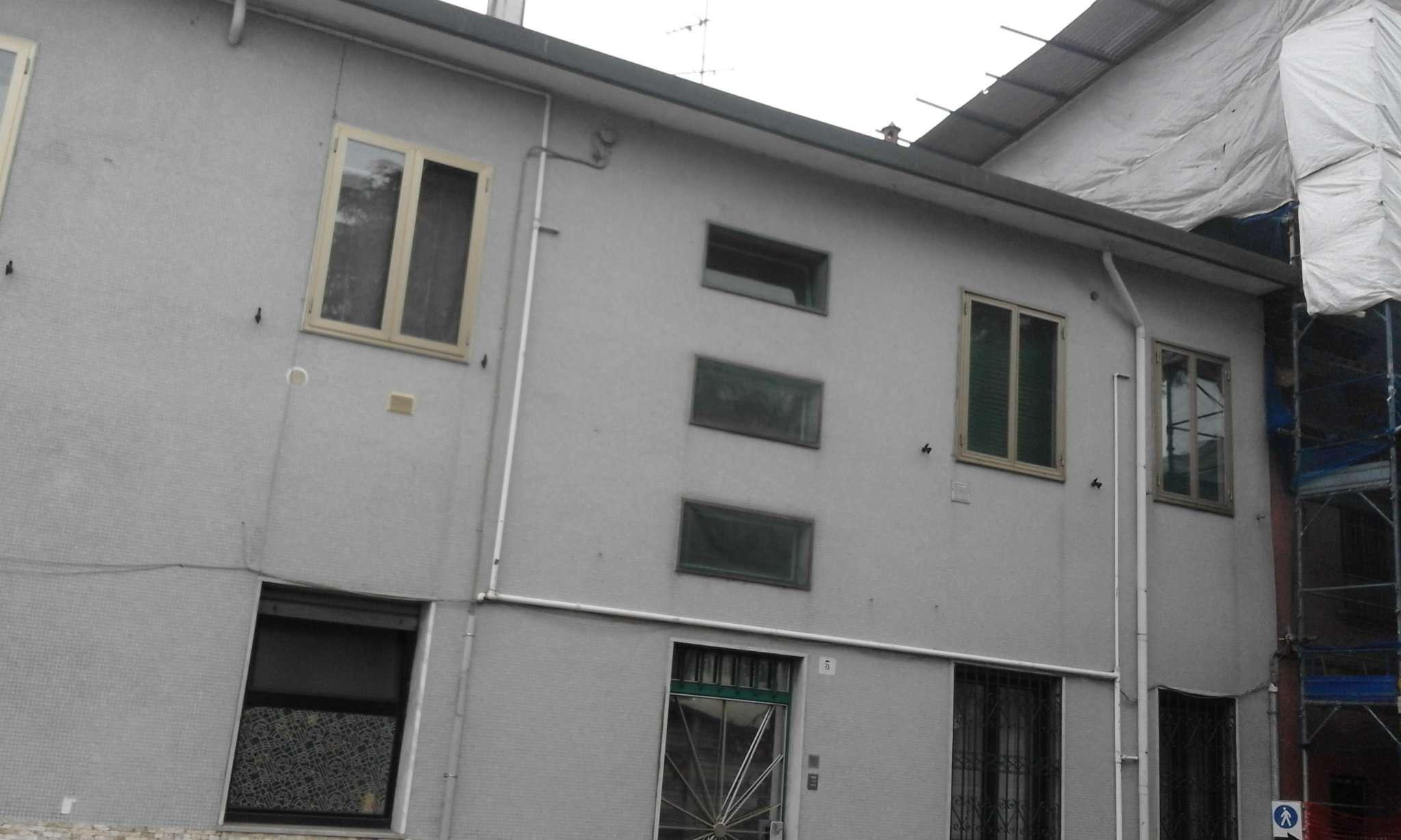 Appartamento in vendita a Rozzano, 2 locali, prezzo € 91.000 | Cambio Casa.it