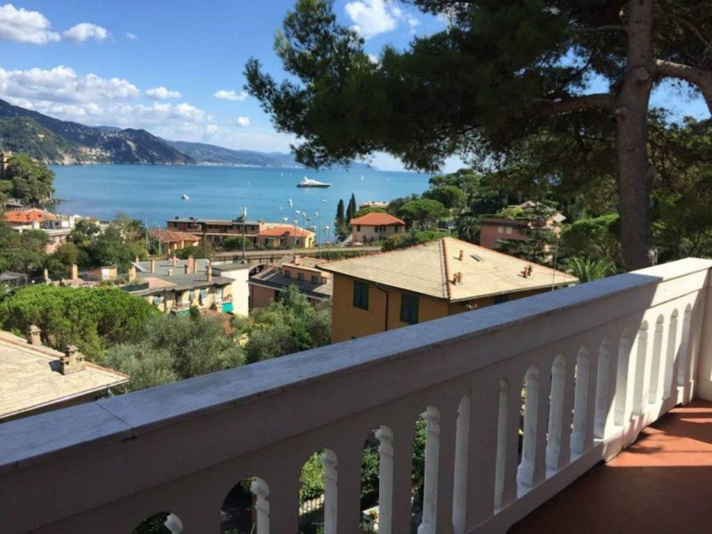 Appartamento in Vendita a Rapallo Centro: 4 locali, 125 mq
