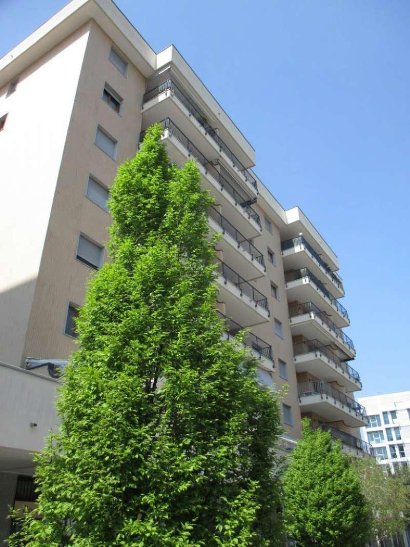 Appartamento in Vendita a Trezzano Sul Naviglio Centro: 3 locali, 95 mq