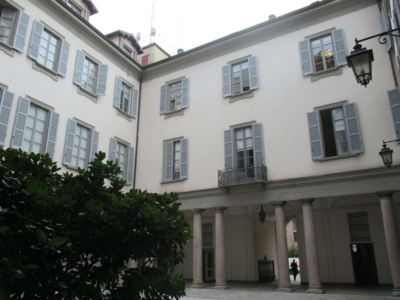 Attico in Affitto a Milano 01 Centro storico (Cerchia dei Navigli): 5 locali, 260 mq