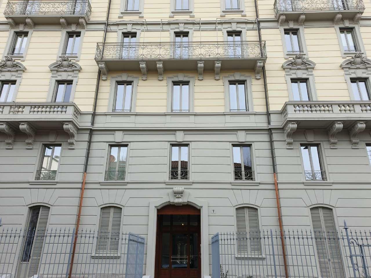 Ufficio-studio in Affitto a Milano 08 Vercelli / Magenta / Cadorna / Washington: 220 mq