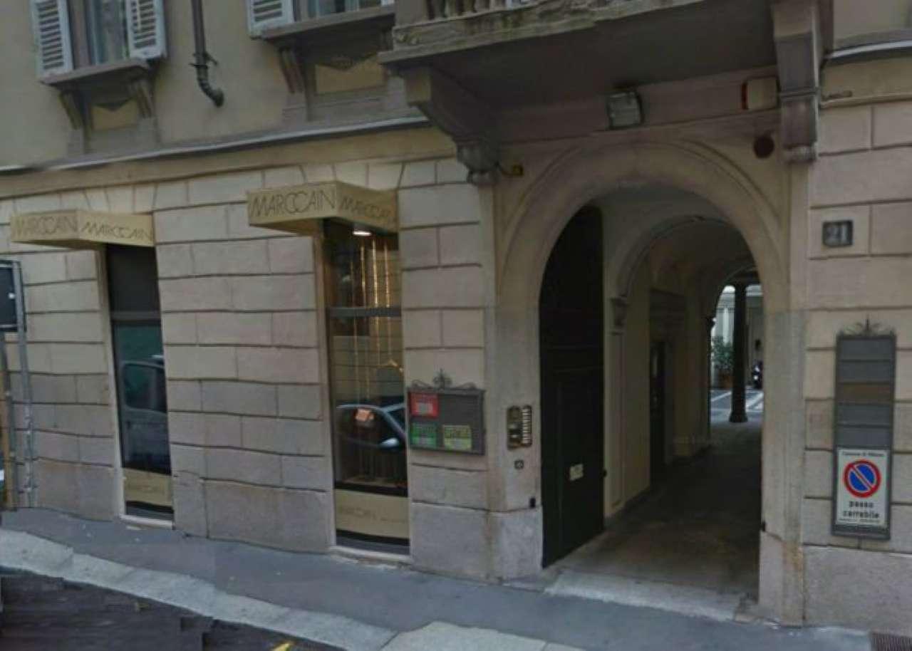 Negozio-locale in Affitto a Milano 01 Centro storico (Cerchia dei Navigli):  1 locali, 65 mq  - Foto 1