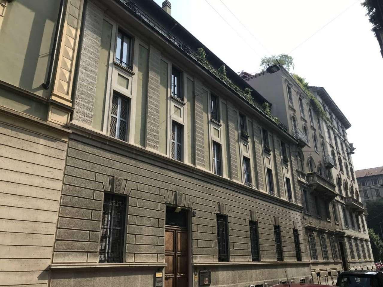 Appartamento in Affitto a Milano 03 Venezia / Piave / Buenos Aires: 4 locali, 220 mq