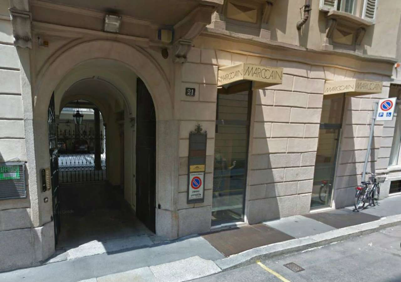 Negozio-locale in Affitto a Milano 01 Centro storico (Cerchia dei Navigli): 2 locali, 90 mq