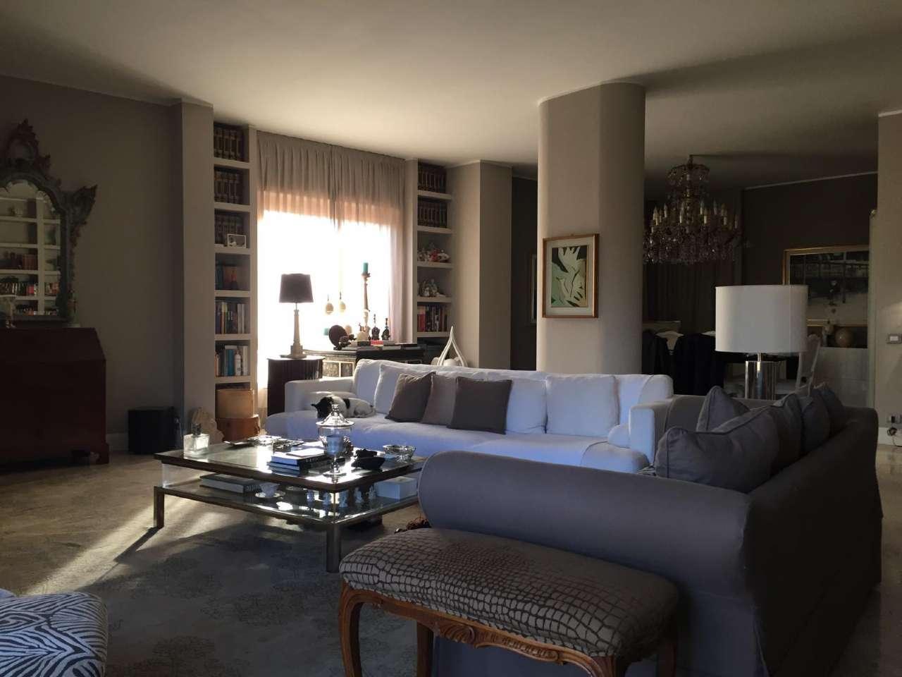 Appartamento in Vendita a Busto Arsizio: 4 locali, 218 mq