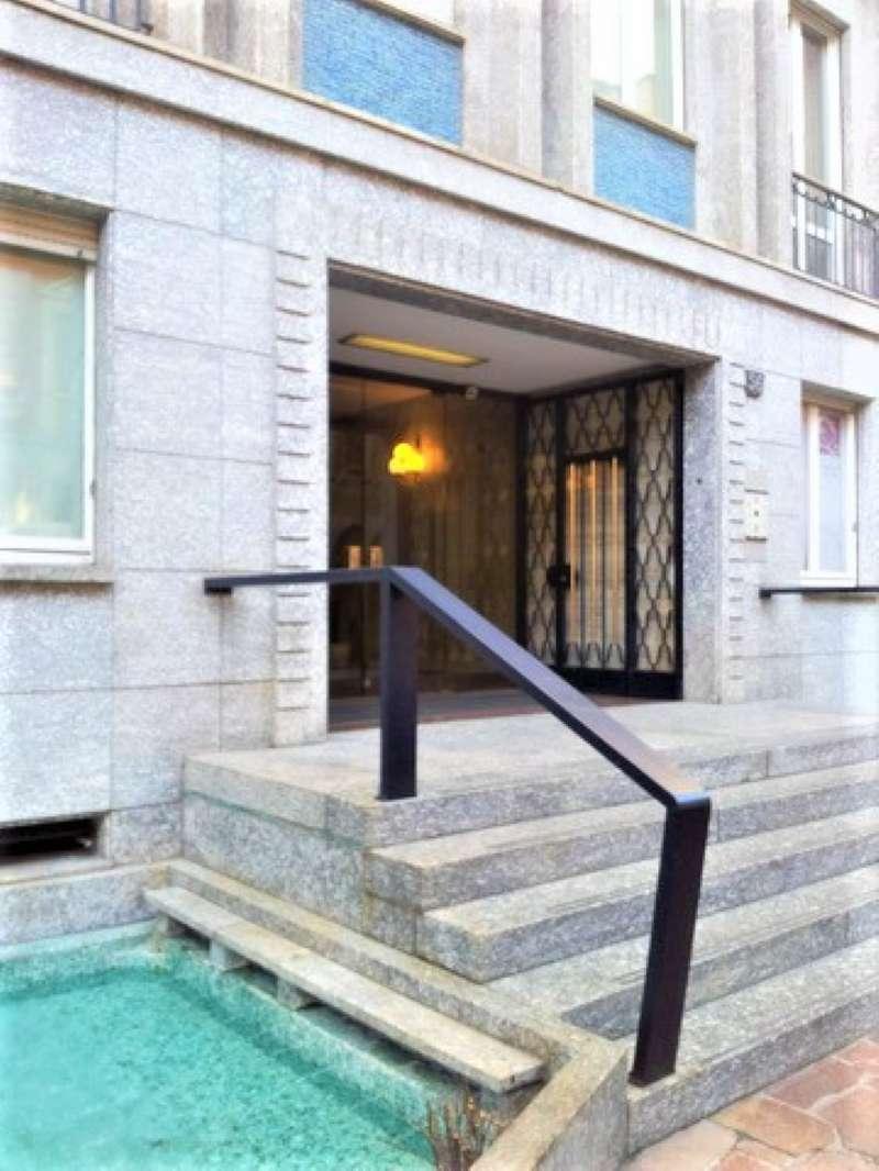 Ufficio-studio in Affitto a Milano 01 Centro storico (Cerchia dei Navigli): 3 locali, 80 mq