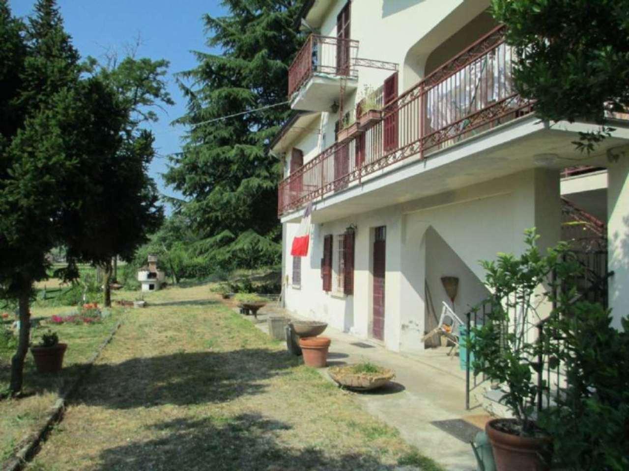 Villa in Vendita a Castell'Arquato