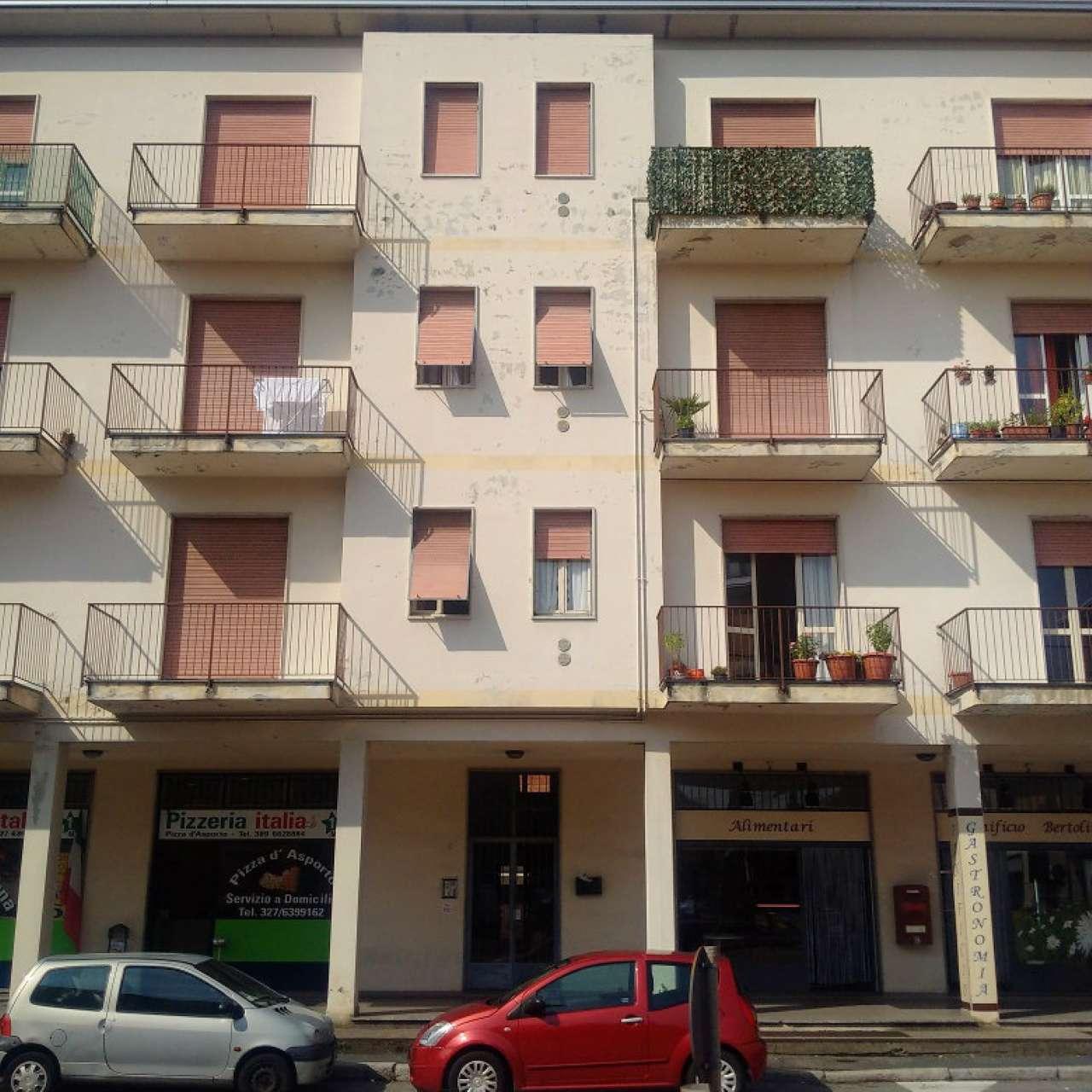 Appartamento in affitto a Gorla Minore, 3 locali, prezzo € 500 | CambioCasa.it
