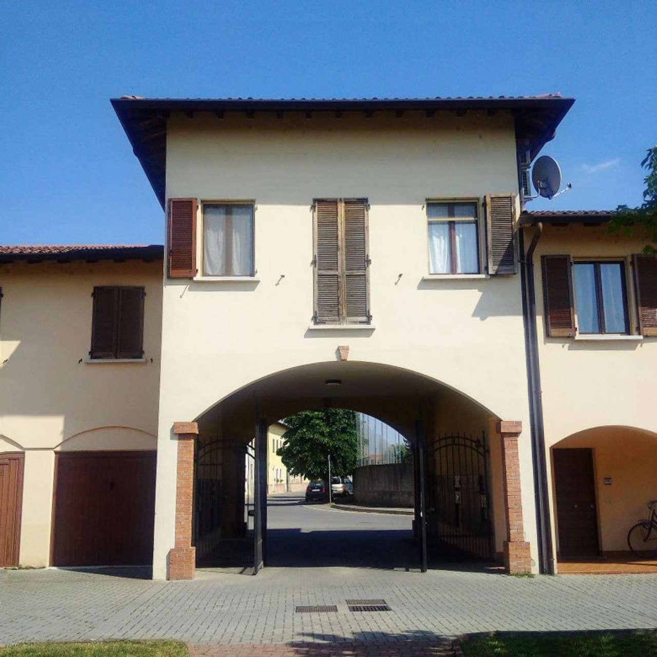 Appartamento in vendita a Borgo San Giacomo, 2 locali, Trattative riservate   CambioCasa.it