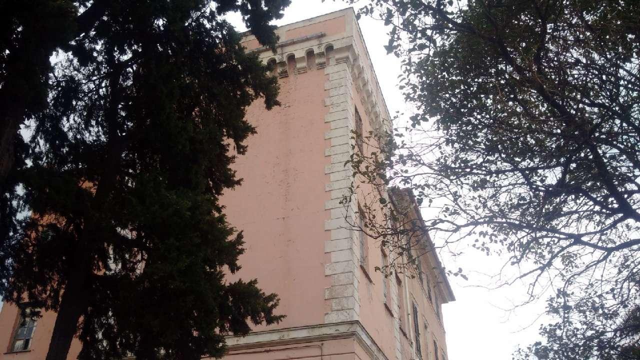 Savona Vendita STABILE / PALAZZO