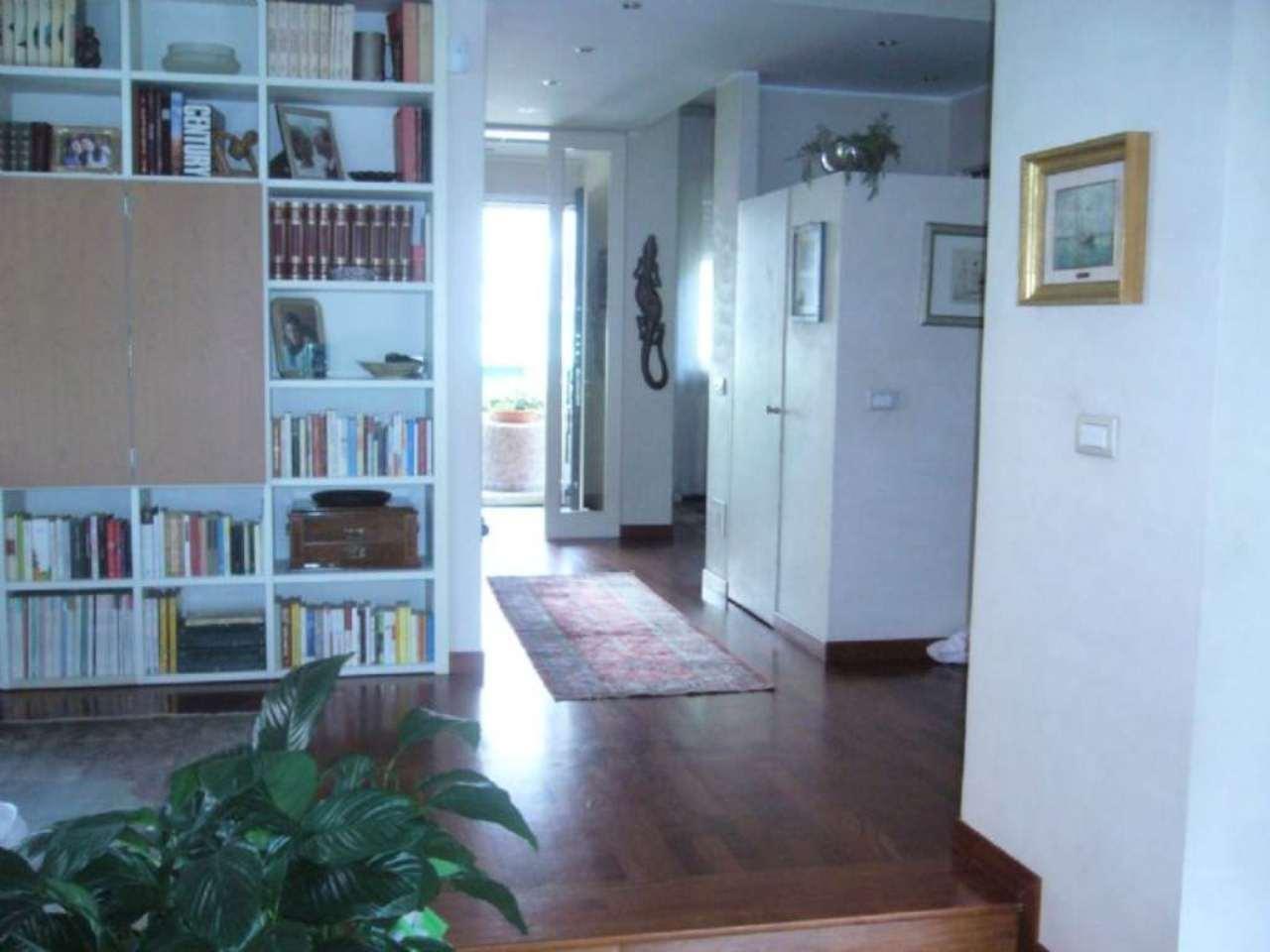 Villa in vendita a Peschiera Borromeo, 6 locali, prezzo € 1.400.000 | Cambio Casa.it