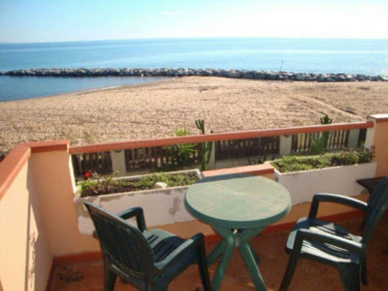 Villa in vendita a Capoterra, 4 locali, prezzo € 350.000 | CambioCasa.it