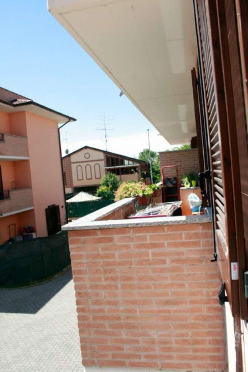 Bilocale Carpiano Via Marche 9