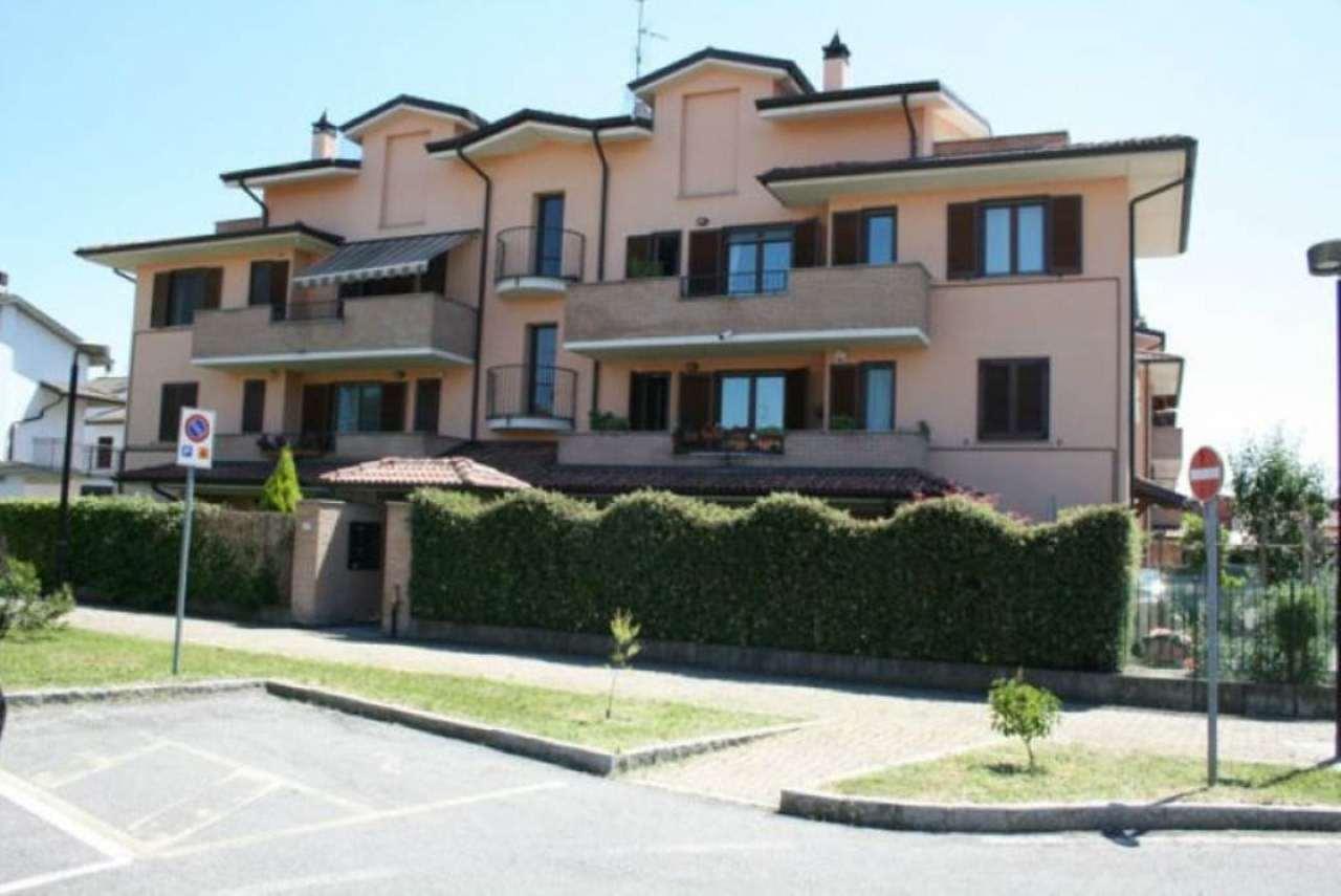 Bilocale Carpiano Via Marche 1