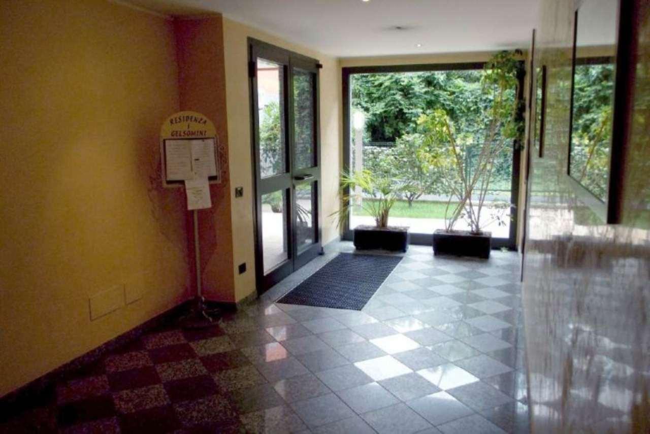 Bilocale Milano Via Gastone Da Foix 13