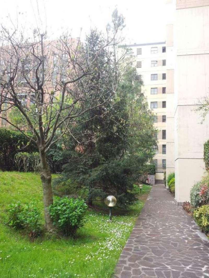 Bilocale Milano Via Mezzanotte 3