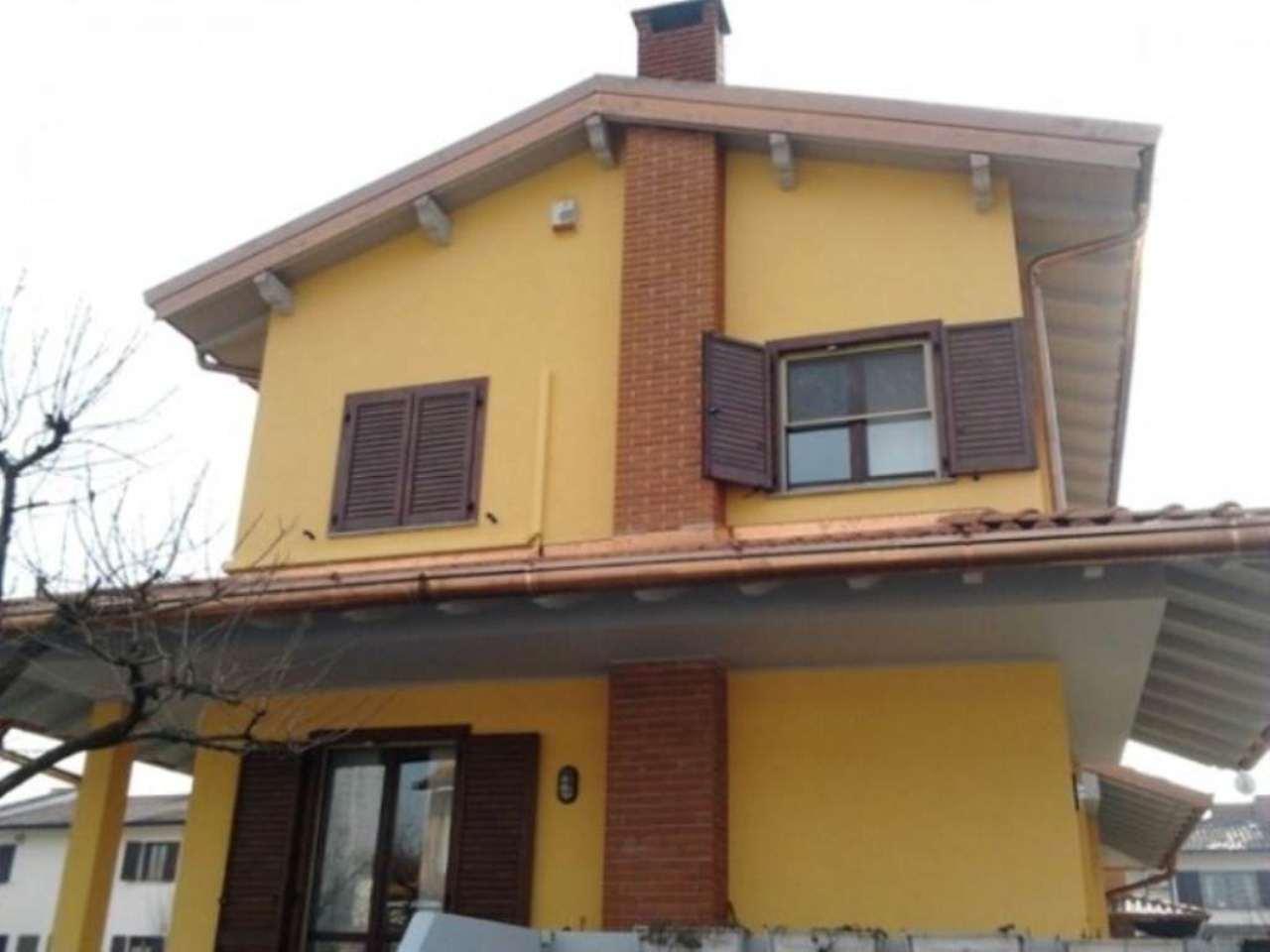Villa in vendita a San Giuliano Milanese, 6 locali, prezzo € 600.000 | CambioCasa.it