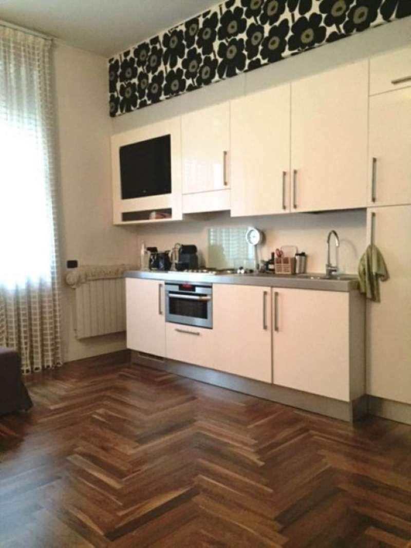 Bilocale Milano Via Dogana 3