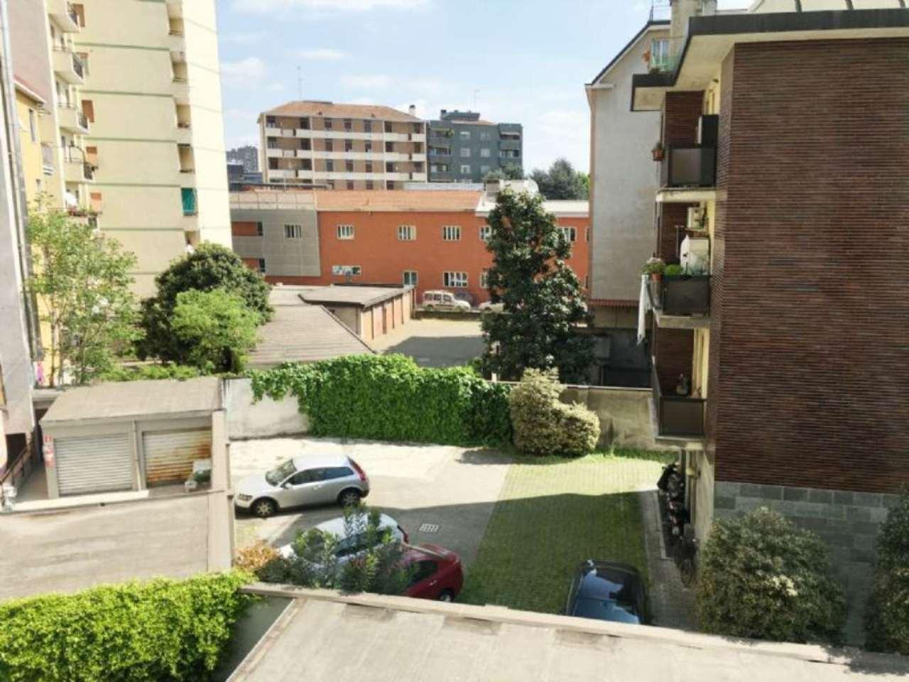 Bilocale Milano Via Vincenzo Da Seregno 9