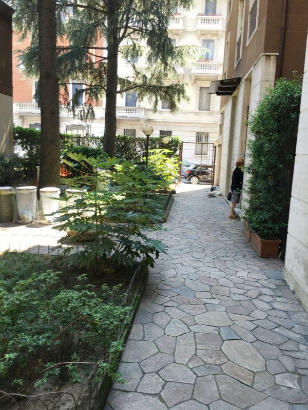 Bilocale Milano Via Giovanni Battista Soresina 13