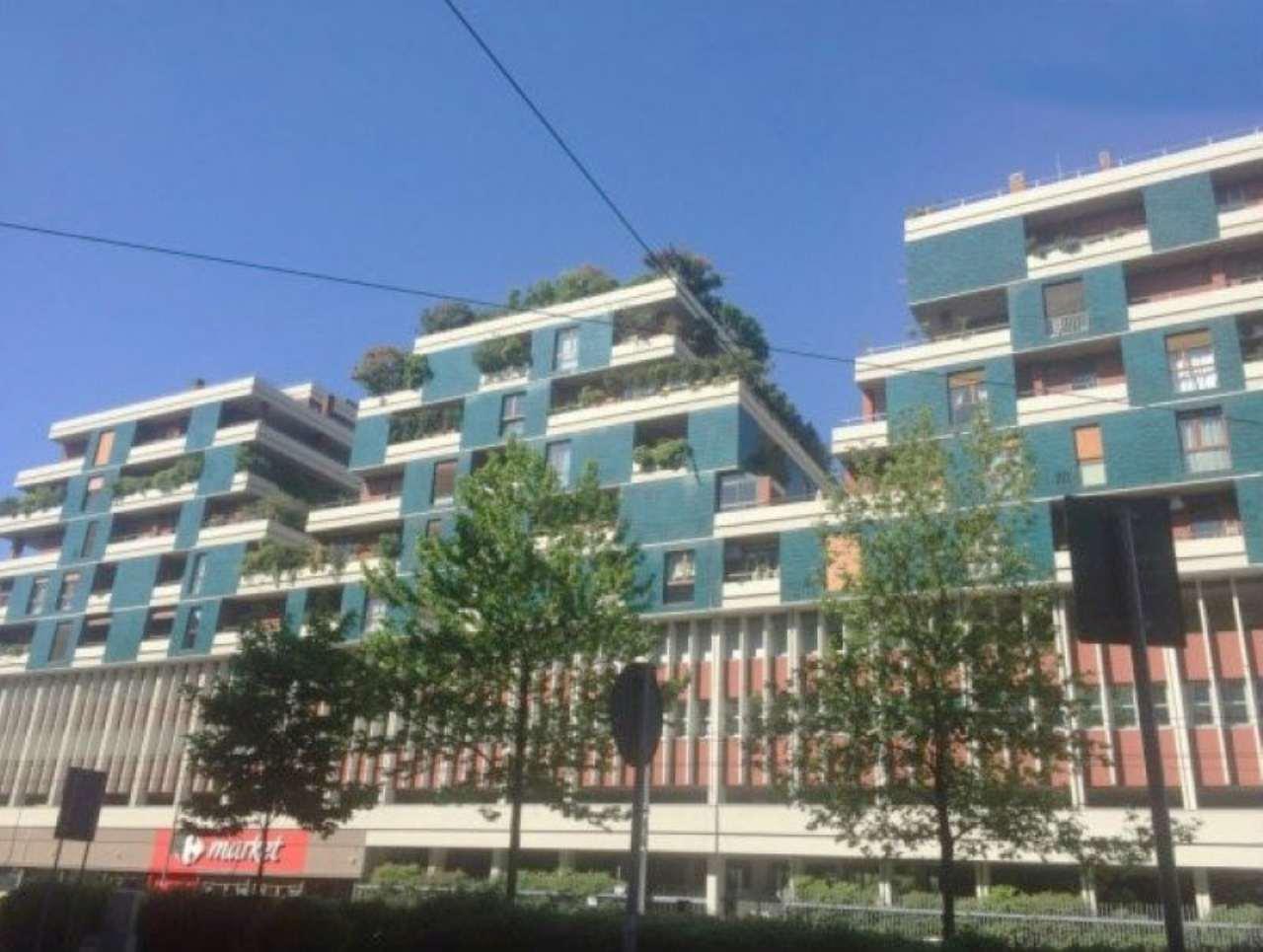 Bilocale Milano Via Ergisto Bezzi 4