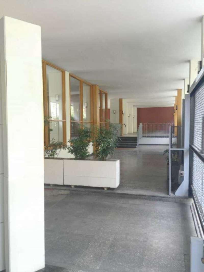 Bilocale Milano Via Ergisto Bezzi 12
