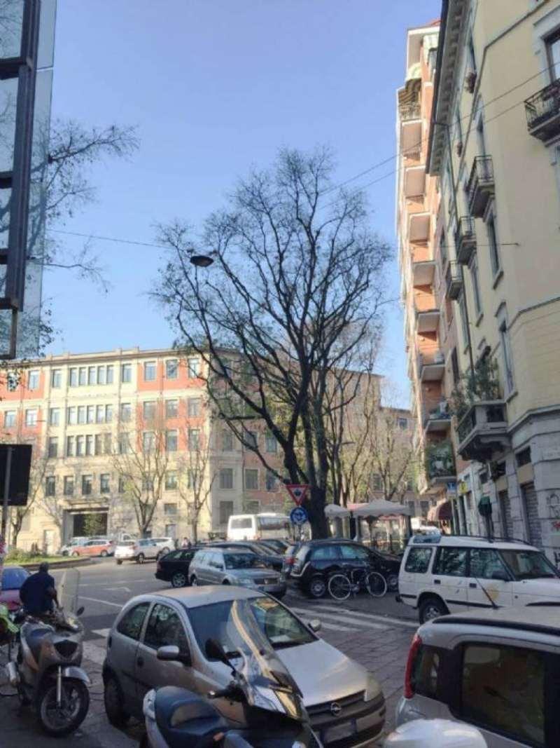 Bilocale Milano Via Tortona 12