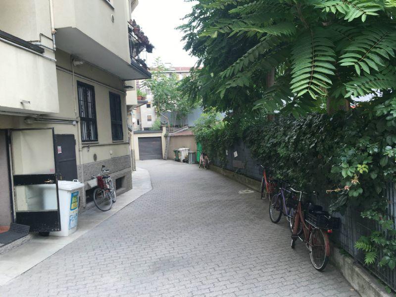 Bilocale Milano Via Cardinal Mezzofanti 10