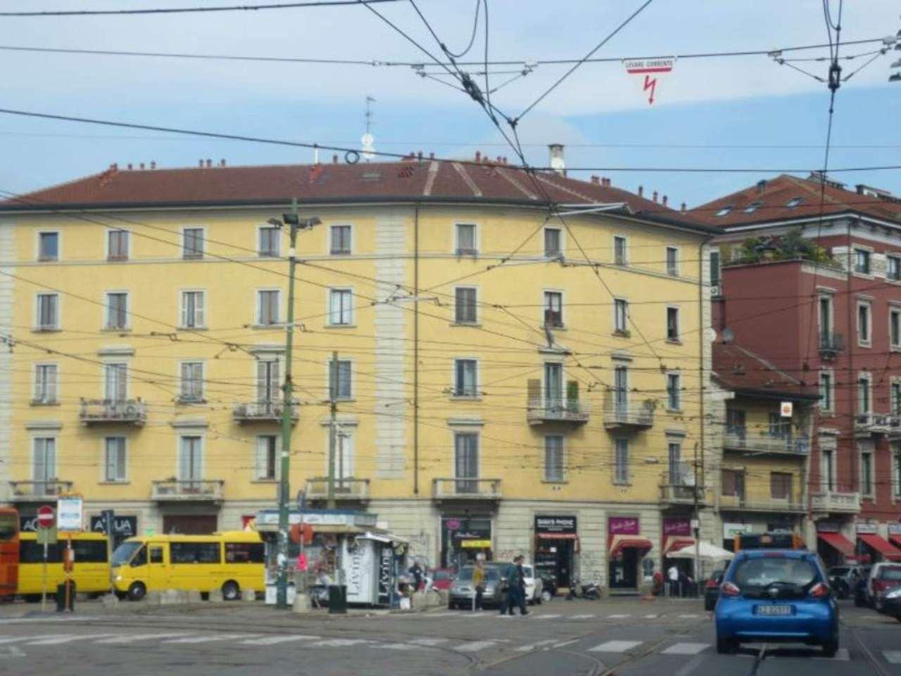 Bilocale Milano Via Vigevano 5