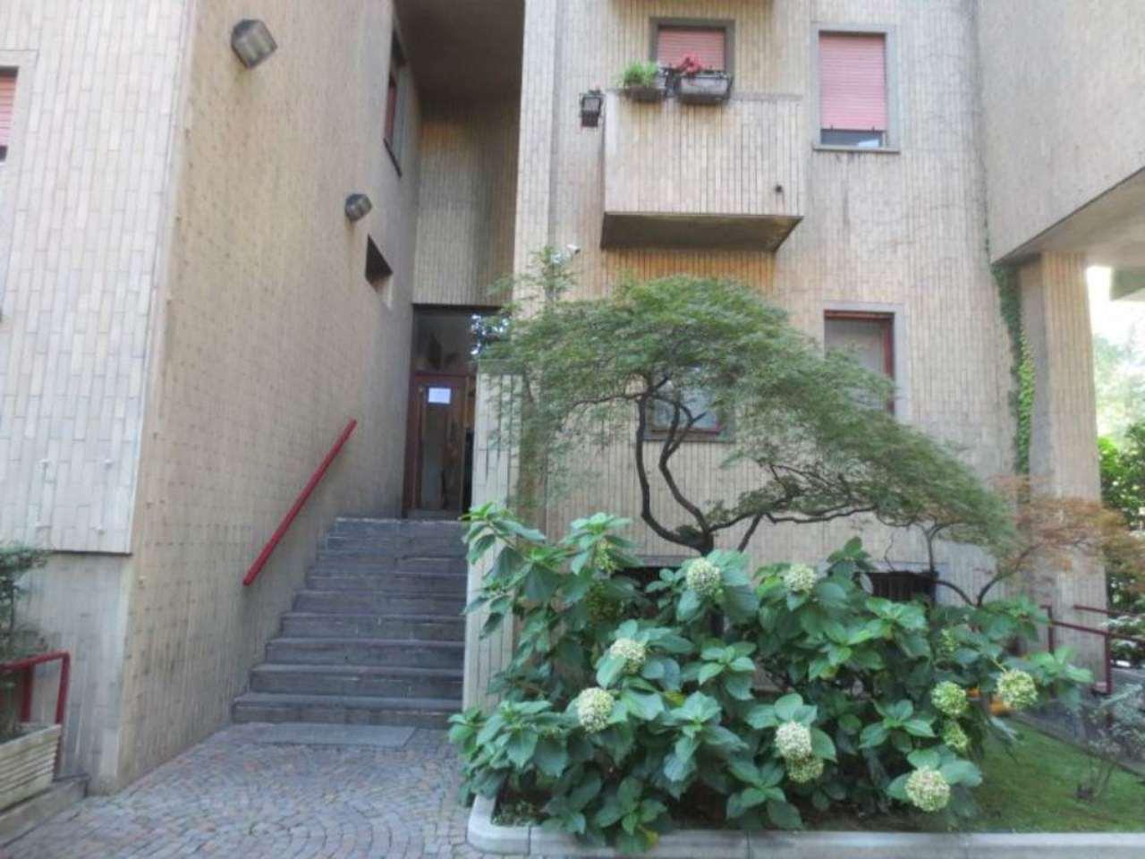 Bilocale Milano Via Ascanio Sforza 5