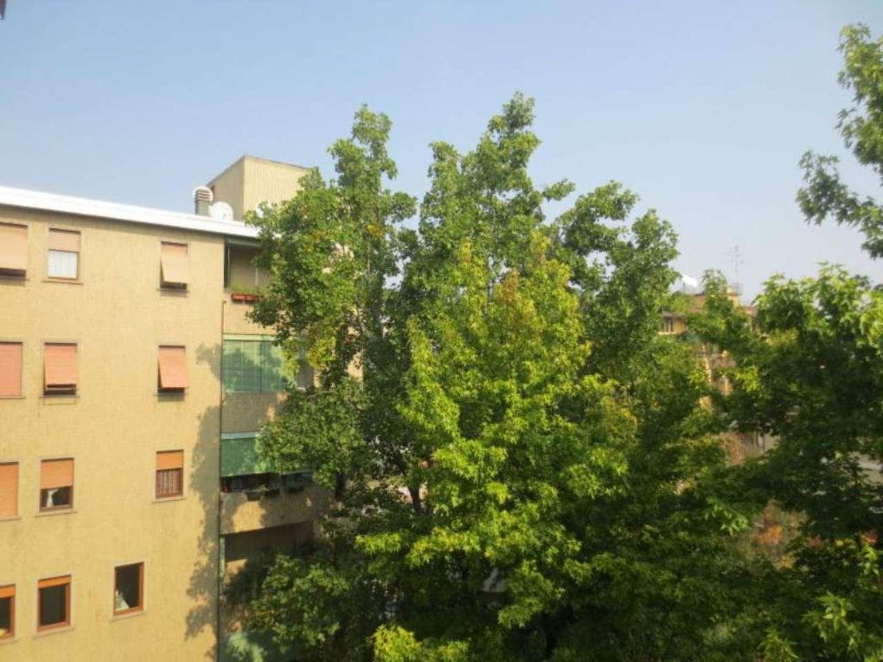 Bilocale Milano Via Ascanio Sforza 12
