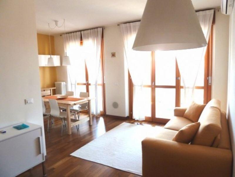 Appartamento in affitto a Milano, 2 locali, zona Zona: 10 . P.ta Genova, Romolo, Solari, Savona, Tortona, prezzo € 1.100 | Cambio Casa.it