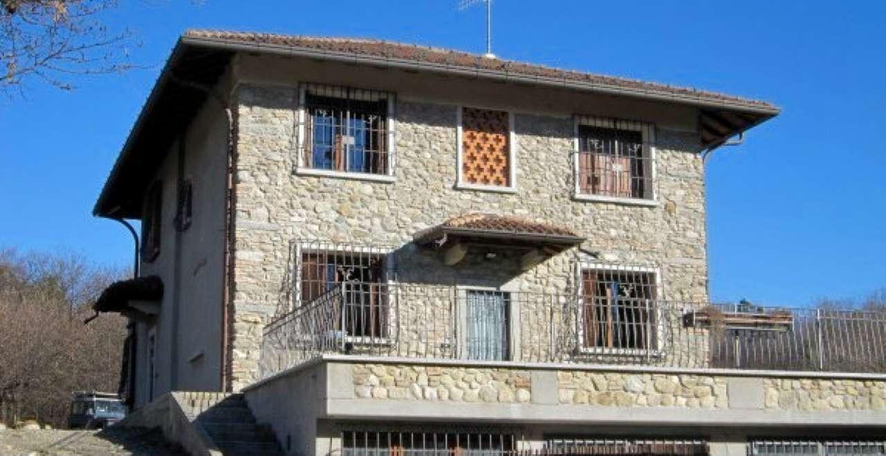 Villa in vendita a Cavallasca, 9 locali, Trattative riservate | Cambio Casa.it