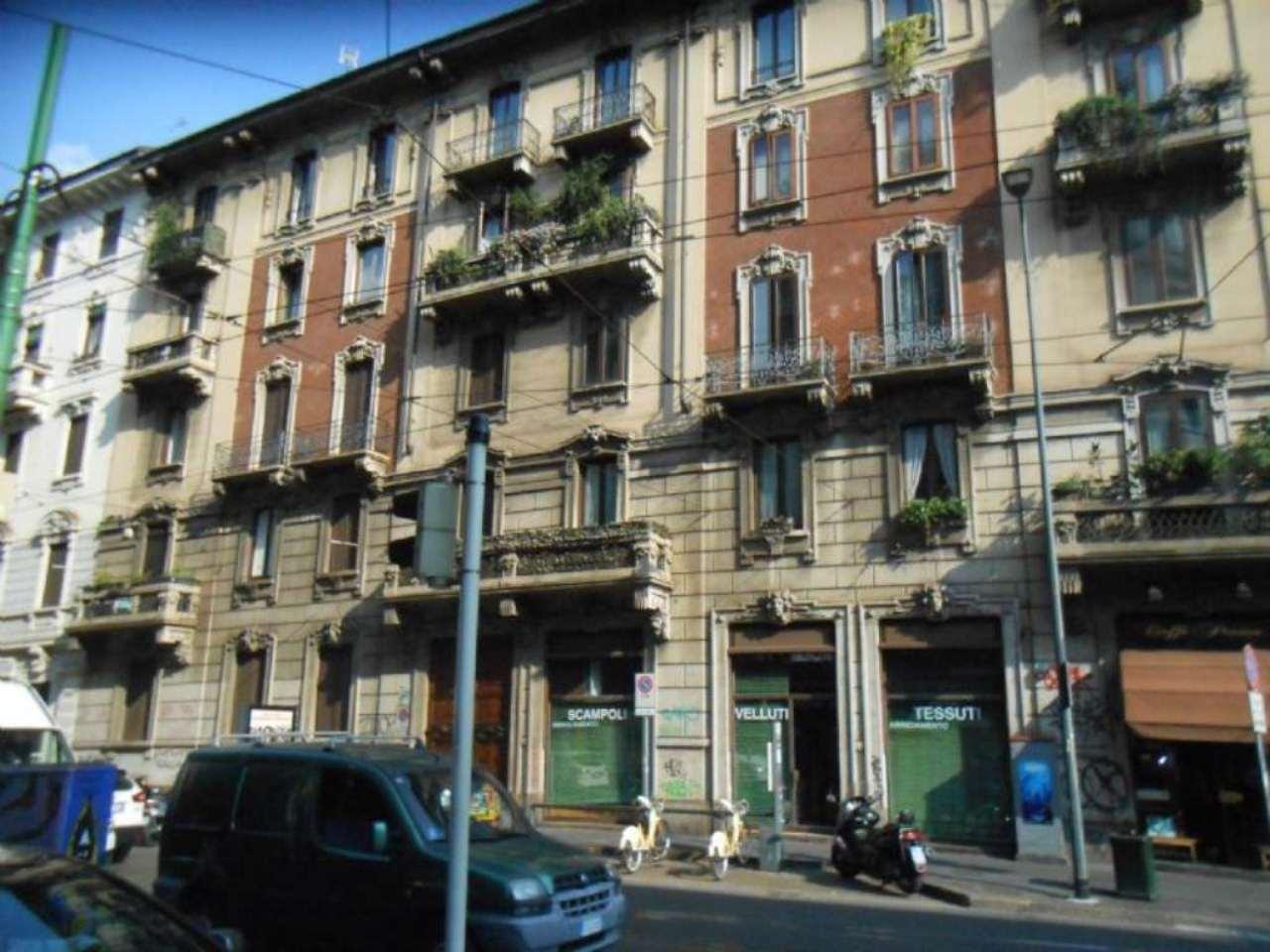 Bilocale Milano Via Settembrini 10