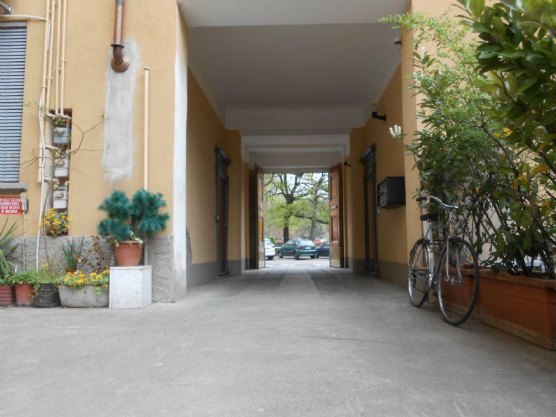 Bilocale Milano Via Stendhal 4