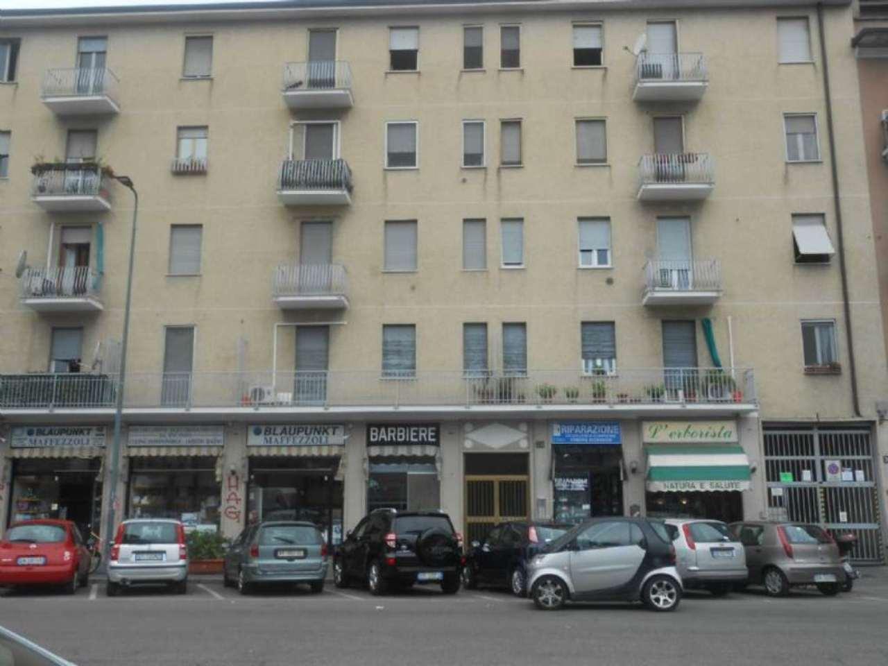 Bilocale Milano Via Biella 3