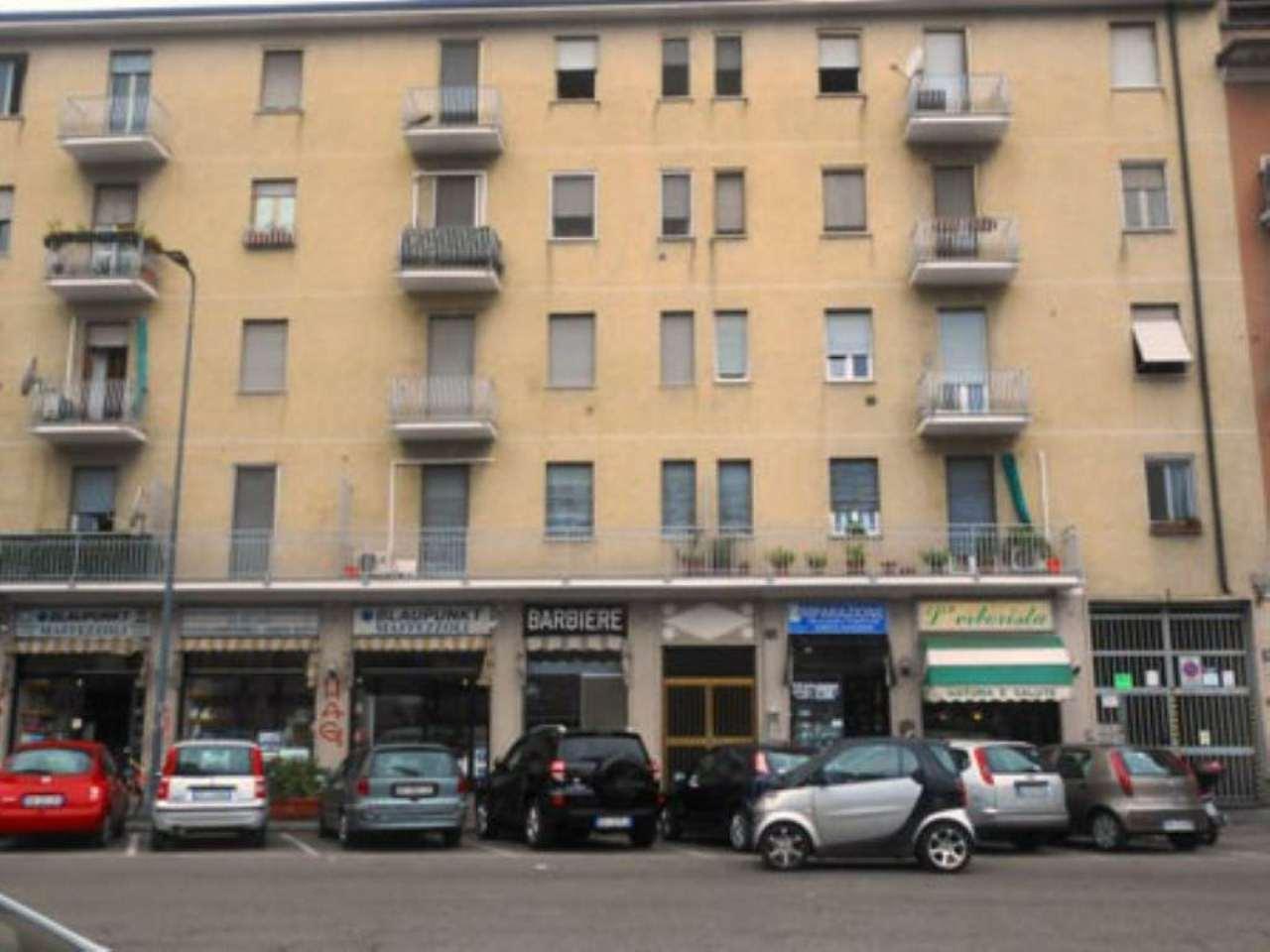 Bilocale Milano Via Biella 1