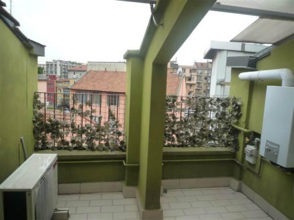 Bilocale Milano Via Luigi Canonica 9