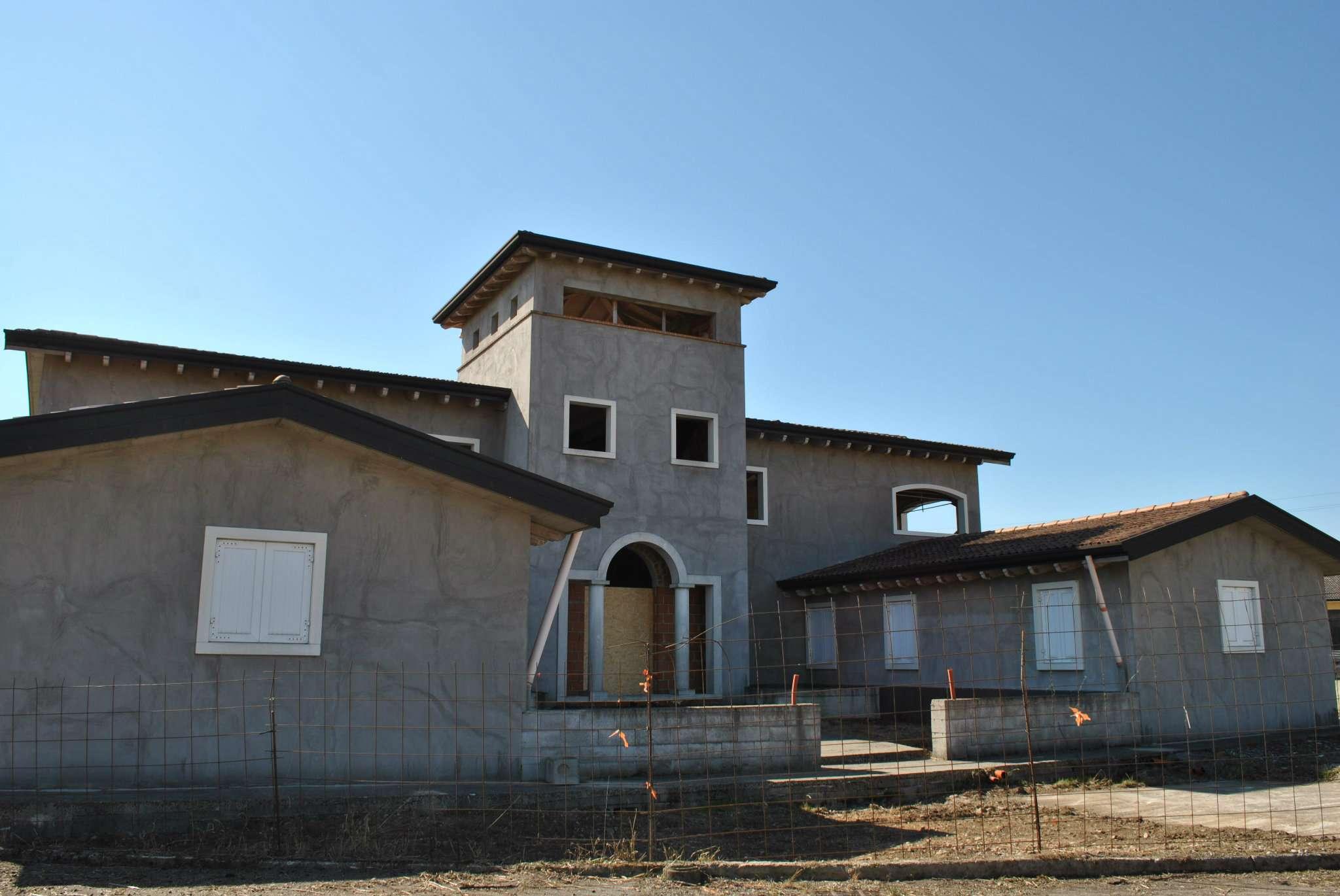 Foto 1 di Villa via privata Via Fanin  S.N.C., frazione Cerlongo, Goito