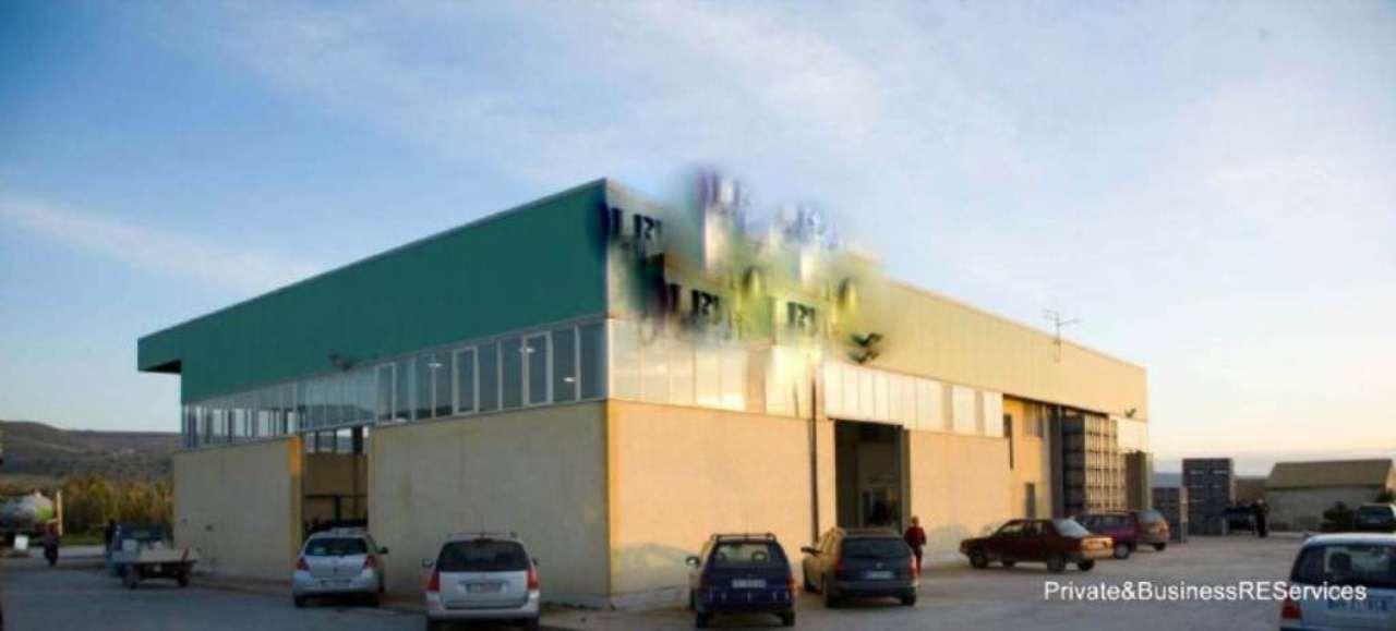 Capannone in vendita a Chiaramonte Gulfi, 9999 locali, Trattative riservate | Cambio Casa.it