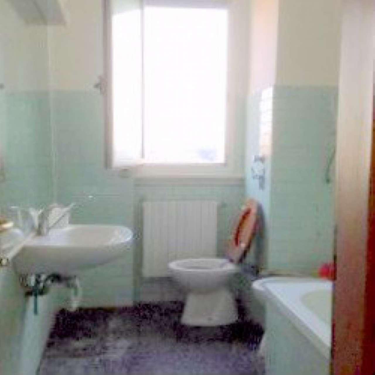 Appartamento in vendita a Cinisello Balsamo, 2 locali, prezzo € 80.000   CambioCasa.it