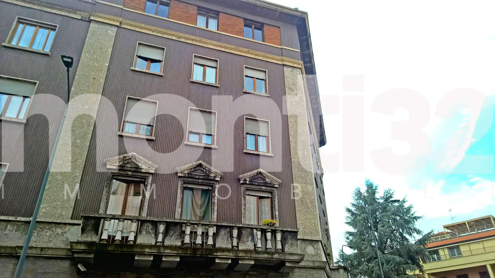 Bilocale Milano Via Costanza 1