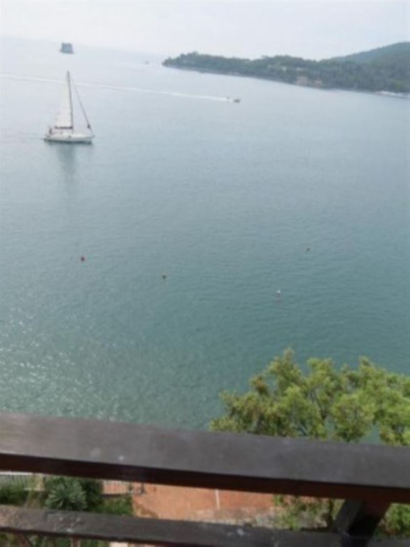 Appartamento in vendita a Portovenere, 3 locali, prezzo € 560.000 | Cambio Casa.it