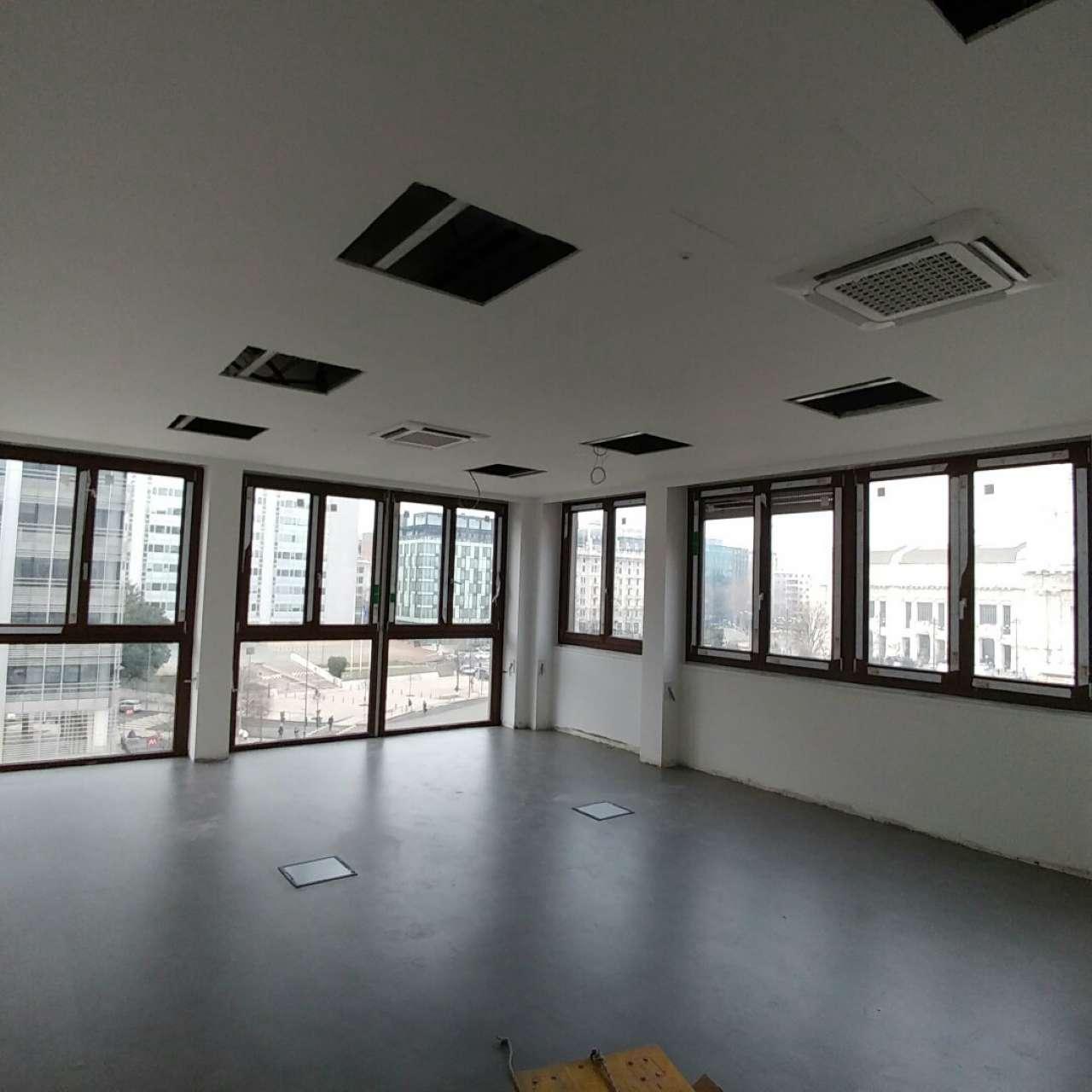 Ufficio / Studio in affitto a Milano, 4 locali, zona Zona: 2 . Repubblica, Stazione Centrale, P.ta Nuova, B. Marcello, prezzo € 2.900 | Cambio Casa.it