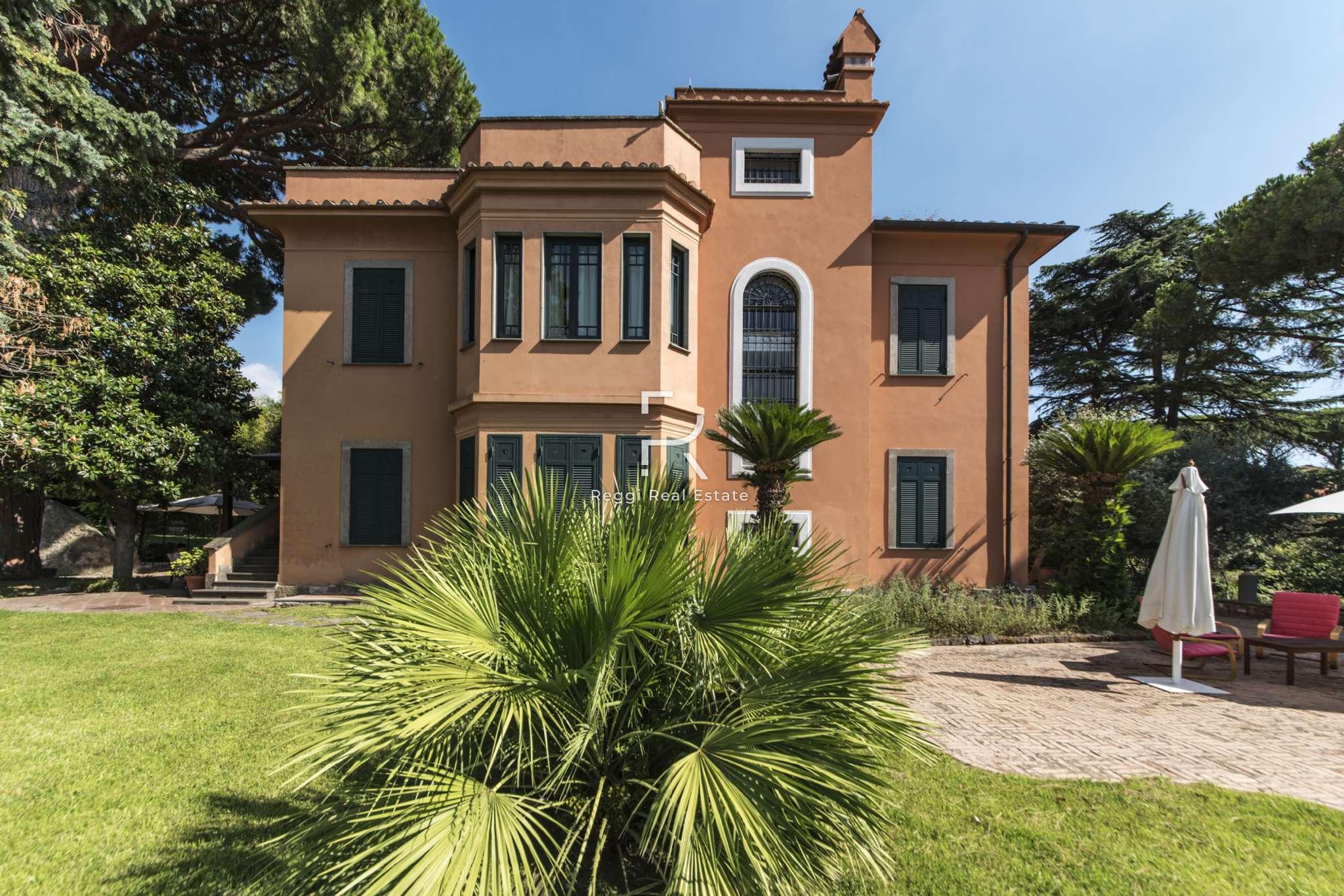 Villa in Vendita a Grottaferrata: 5 locali, 776 mq