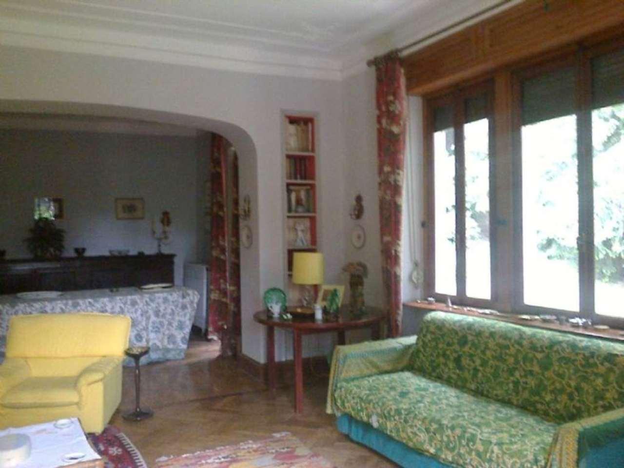 Villa in vendita a Gignese, 10 locali, prezzo € 400.000 | Cambio Casa.it