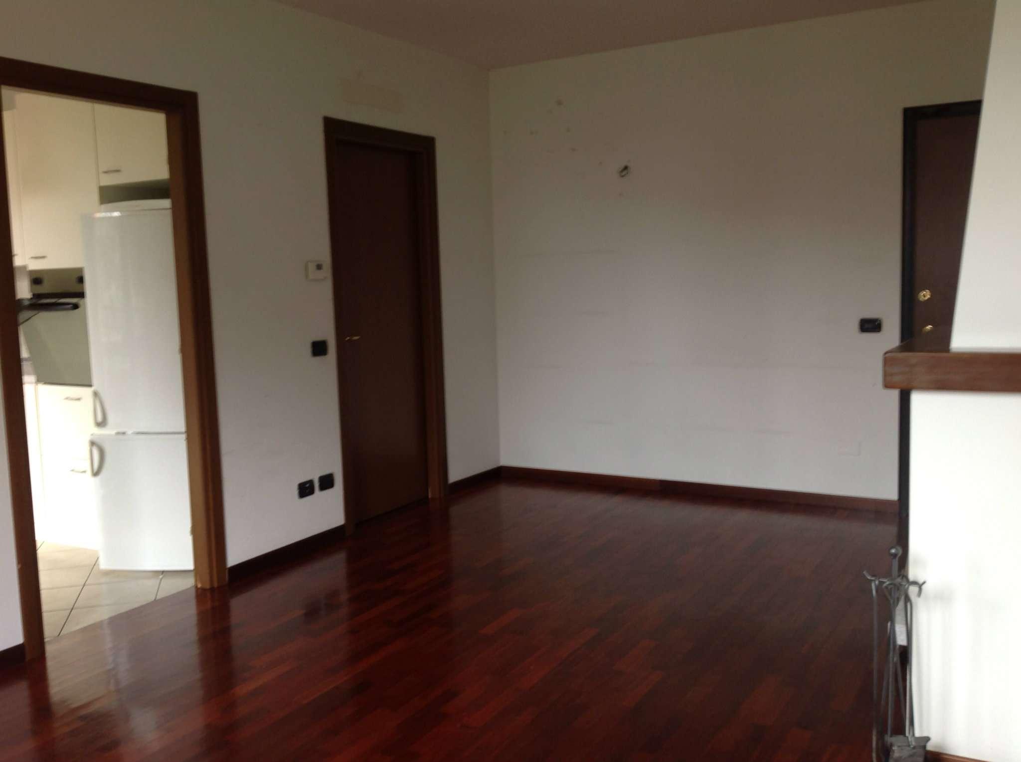 Appartamento in affitto a Peschiera Borromeo, 2 locali, prezzo € 760 | CambioCasa.it