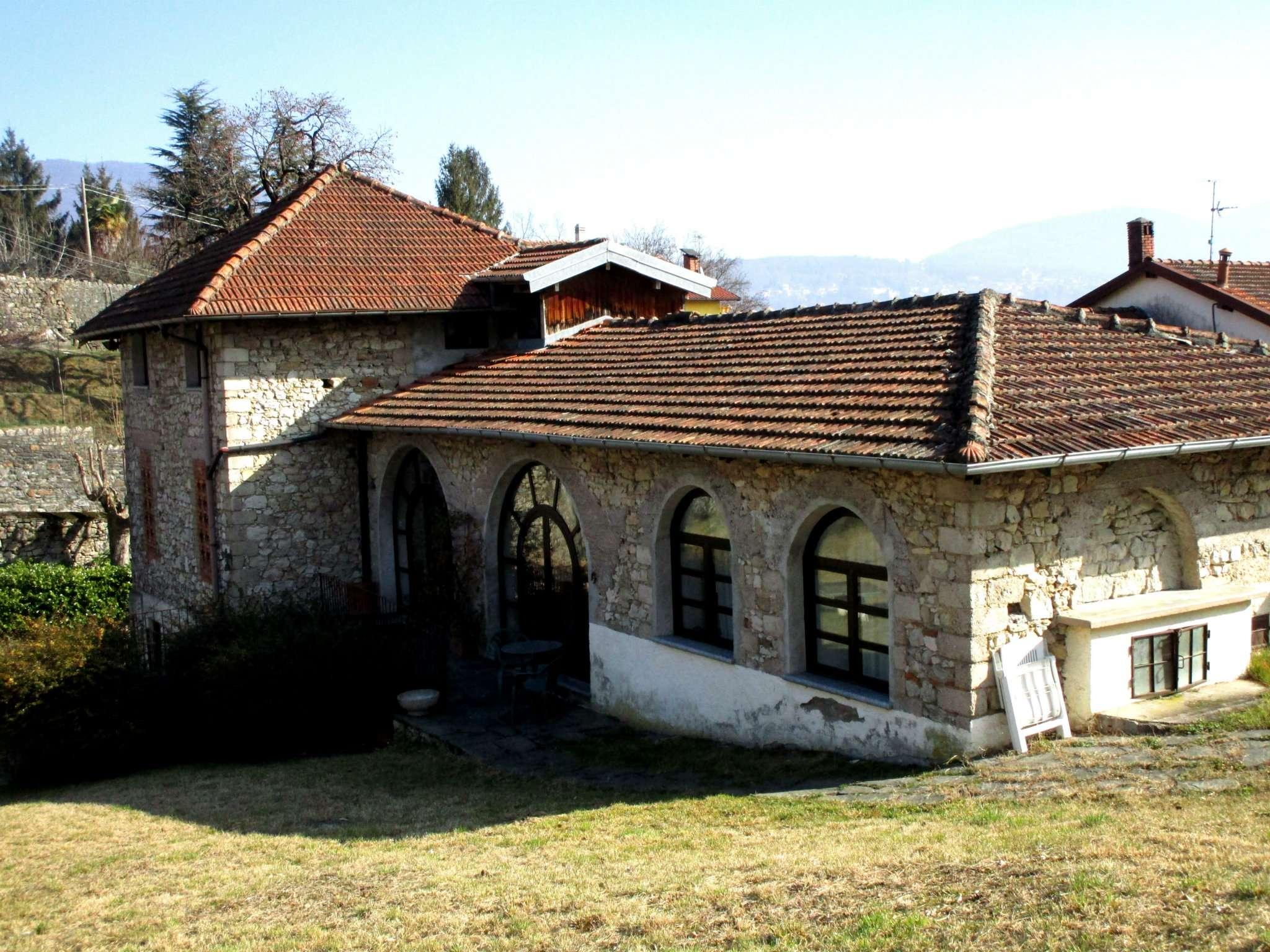 Rustico / Casale in Vendita a Cassano Valcuvia