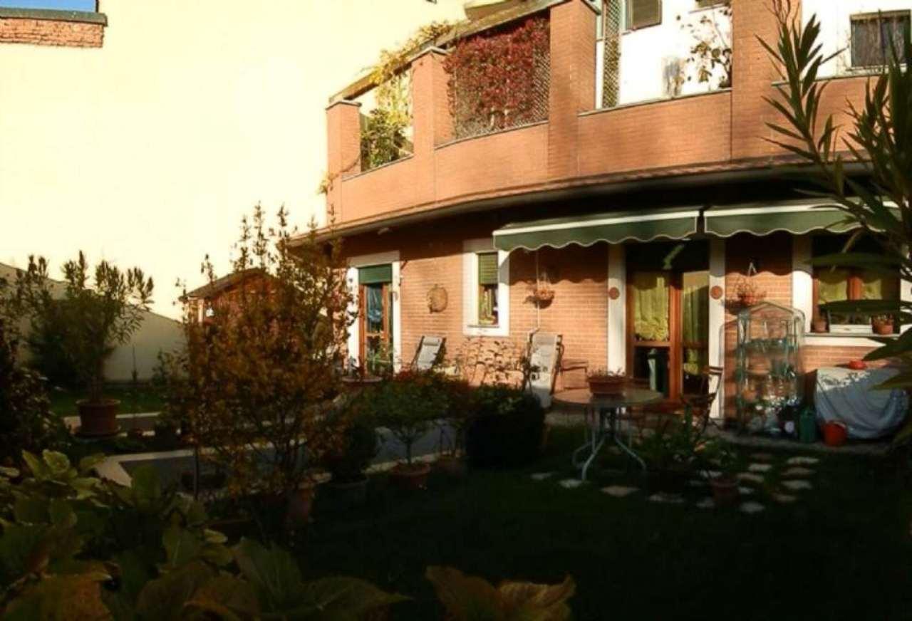 Bilocale Milano Via Sant'abbondio 2
