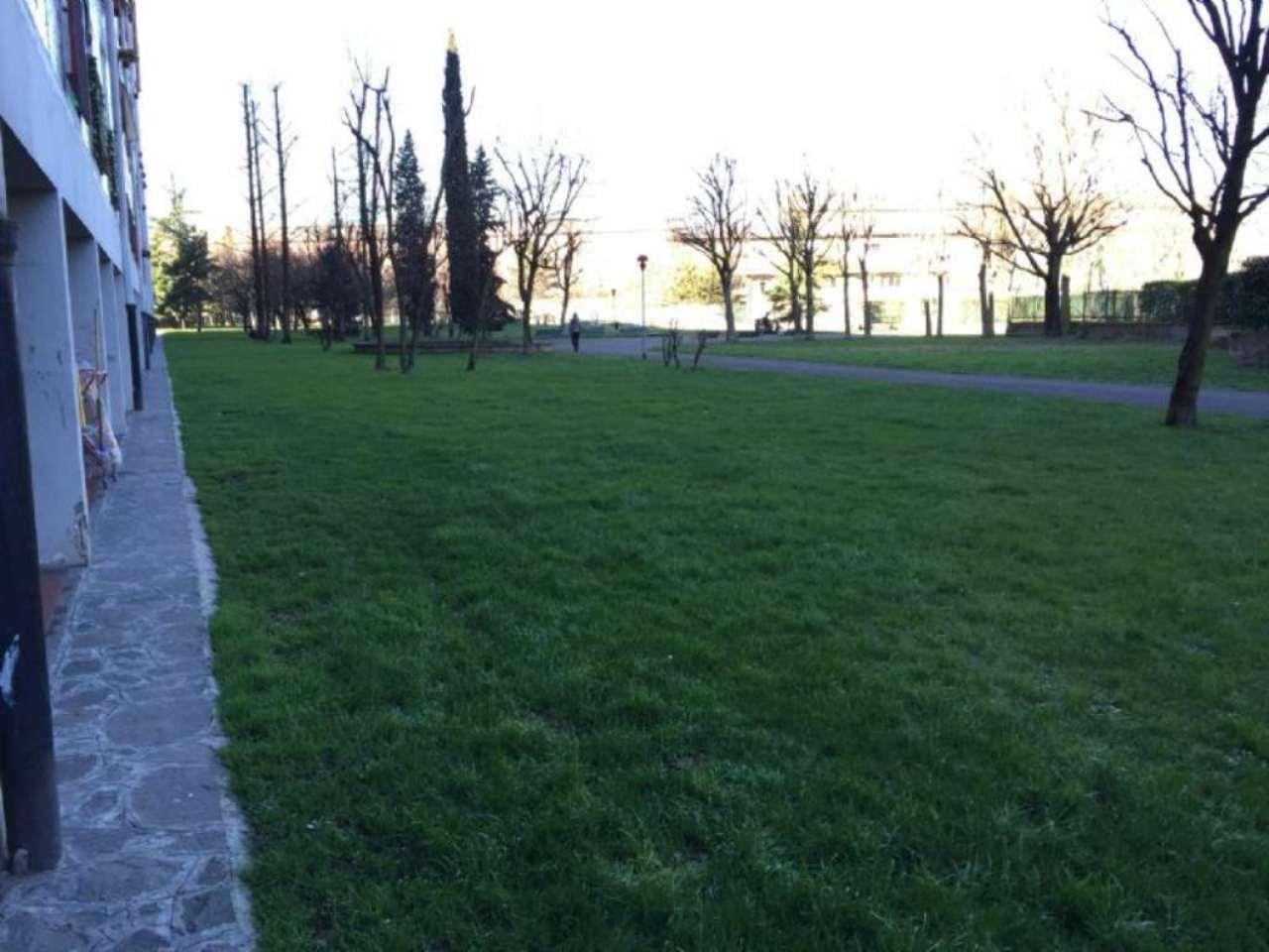 Bilocale Milano Via Agostino De Pretis 10